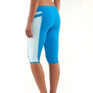 Lululemon Blue Heat It Up Crop Legging Capris